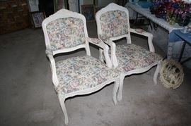 Very nice pair of chairs