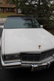 CAR FOR SALE 1991 cadillac de ville $2800 OBO clean title 1 owner new engine great body 148K miles