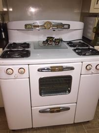 FANTASTIC repurposed early gas stove--works like a charm!