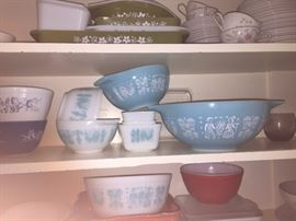 Pyrex and baby we have a lot more than this