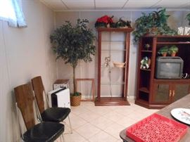 Wood/glass shelf unit, Silk tree, Ent center