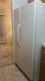 Side by side Refrigerator by KENMORE $240