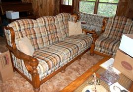Couch & Sofa / Love Seat