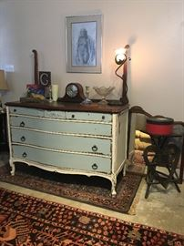 Repainted and faux distressed mahogany dresser that does come with it's original framed mirror, circa 1920.