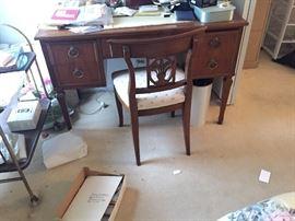 Kindall Desk