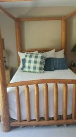 queen four poster lodge bed