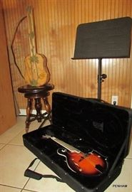 Mandolin - Savannah, 8 string, like new with case, only used a few times