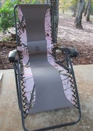 Realtree APG lounge chair