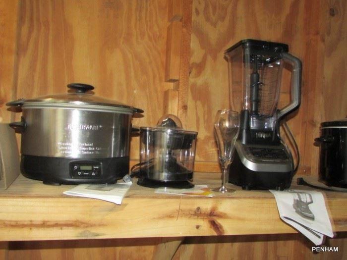 Assortment of kitchen appliances