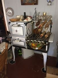 A-B Battle Creek gas stove that works