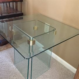 Glass top/side end table