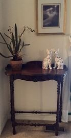 Entry Table, Cat Figurines