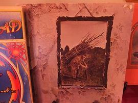 Led Zeppelin IV in near perfect condition. Original Vinyl print.