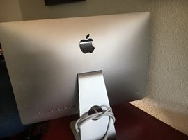 """iMac, 2.7 GHz Core I5, 21.5"""", 8GB Ram, 17B HDD. Includes keyboard and mouse. Sells for about $650-750. Estate sale price: $500 (2 of 3 pics)"""