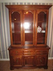 Broyhill china cabinet with light