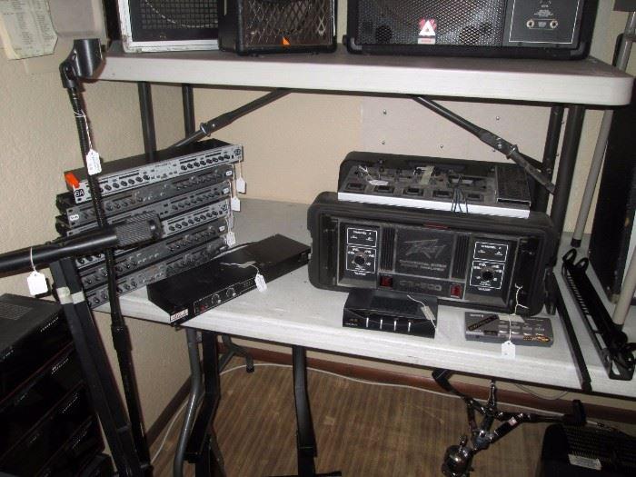 Basement:  6 Phonic plc 3200, Peavey cs-800,