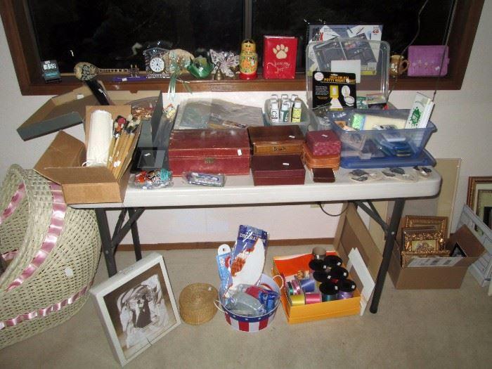 UpStairs Center Bedroom:  Art Stuff (Brush's,  Paint) Other Stuff