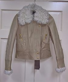 21 -  Gucci    Beige Leather Jacket with Curly Lamb Collar       Size-S