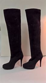 23 -  Stuart Weitzman Tall Black Suede Boots   Never Worn   Size 8