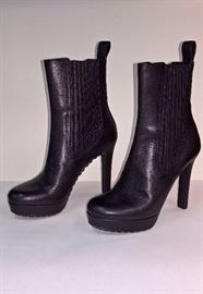 """30 -  Gucci Black """"Incas"""" Leather Booys   Never Worn   Size 37"""