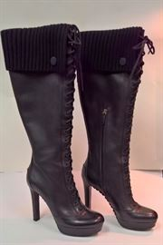 53 - Gucci  Black Leather Lace Up Boots with Wool Sweater Tops    Never Worn   Size 38