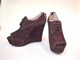 Mii Mii  Camoscio Brown Suede Boots     Never Worn   Size  37.5