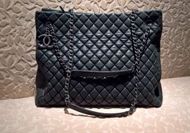 #7  CHANEL Caviar Quilted TOTE SHOPPING BAG  Medium Grey