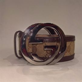 CL 30 - Gucci Orginal GG Canvas & Leather Belt  with Silver Buckle  Size 34