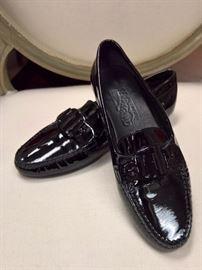RB - Ferragamo Black Patent Loafers   Never Worn    Size 6