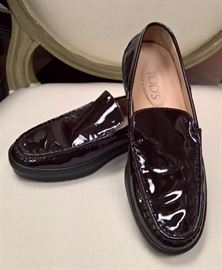 RB  - Tod's  Chocolate Brown Patent Leather Loafers    Never Worn   Size 36