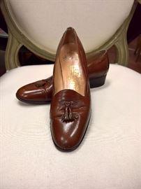 RB  - Vintage Ferragamo Brown Leather with Tassle   Worn   Size 6