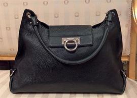 3V  - Salvatore Ferragamo Black Lether Bag