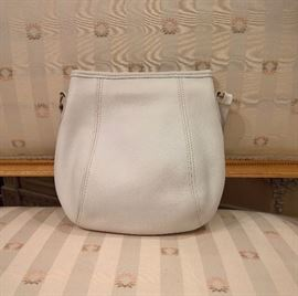 3V  - Coach Small White Leather Bag