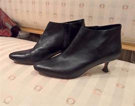 3V  - Manolo Blahnik Black Leather Low Boots  Size 37.5