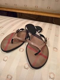 3V  - Burberry Flip Flops with Leather  Size 36