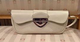 3V  - LV  Montaigne Cream Clutch