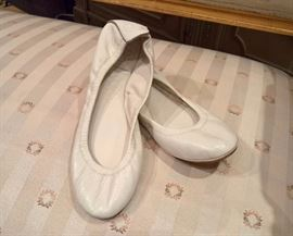 3V  - Tory Burch  - White Leather Ballet Flats  Size 7