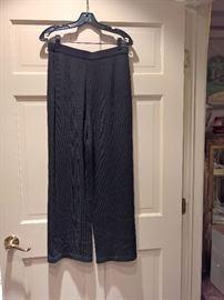 3V  - St. John Carviar  Black Pants Size 8