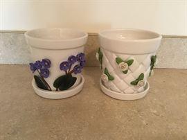 Teleflora Ceramic Flower Pots  http://www.ctonlineauctions.com/detail.asp?id=656923