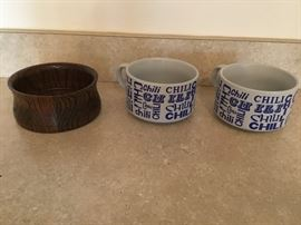 (3 Pieces) Ceramic Chili Bowls & Wooden Bowl  http://www.ctonlineauctions.com/detail.asp?id=656928