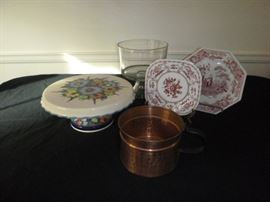Cake Plate and Trifle  http://www.ctonlineauctions.com/detail.asp?id=652352