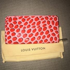RARE LIMITED EDITION LOUIS VUITTON JUNGLE DOTS WALLET-MINT CONDITION