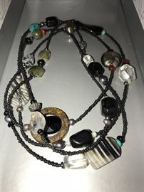 NATURAL PEAL AND GEMSTONE NECKLACE