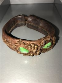 LEATHER AND GREEN TURQUOISE BRACELET