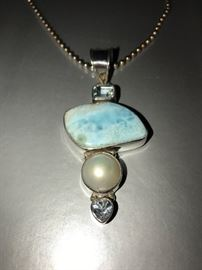 STERLING SILVER PENDANT WITH GEMSTONES AND PEARL