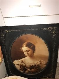 ANTIQUE CIRCA 1800 FRAME WITH PICTURE