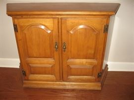 Oak Entry/Storage Cabinet...