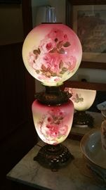 Another beautiful Gone with the wind lamp