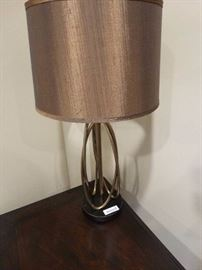 Nice modern style table lamp w/ shade