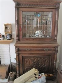 Pair of beautiful cabinets with leaded glass